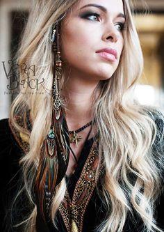Célèbre plume dépingles de Vera Black à cheveux, bijoux ornés de plumes pour vos cheveux. Ils existent en 3 tailles, pour correspondre à votre longueur