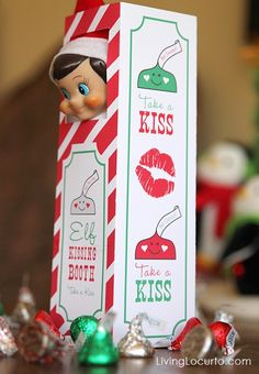 Sweet Elf on the Shelf Kissing Booth. Free Printable- this is WAY TOO CUTE!