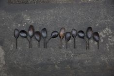 NID's selection of inspirational work from all over the world. Carved Spoons, Wooden Spoons, Small Spoon, Wooden Kitchen, Work Inspiration, Metal Working, Sweden, Hand Carved, Tea Pots