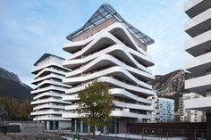 Logements quai de la Graille | Grenoble, France | ECDM Architectes | photo by Benoit Fougeirol