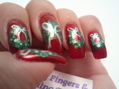 Glittery Fingers & Sparkling Toes: Wreaths (& Tutorial)- 12 Days of Christmas Challenge