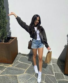 Jenna Ortega Avatar, Lil Peep Beamerboy, Disney Actresses, Best Friends Sister, Jenna Ortega, Teenage Girl Photography, Wwe Female Wrestlers, Girl Outfits, Fashion Outfits