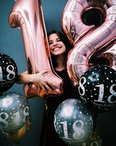 Môj VEĽKÝ deň je tu 😀 Neuveriteľné ako ten čas ubehol 🎉. Keď som bola malá sem tam padla otázka, aké je moje obľúbené číslo alebo vek a… Birthday Gifts, Idol, Celebrities, Youtube, Photo Ideas, Tv, Film, Instagram, Birthday Presents