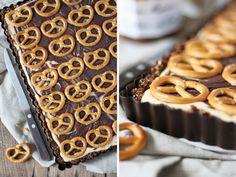 Dreierlei Liebelei: 30 ist das neue 18 + No-bake-Schokoladen-Brezel-Tarte mit Erdnussbutter und Karamell