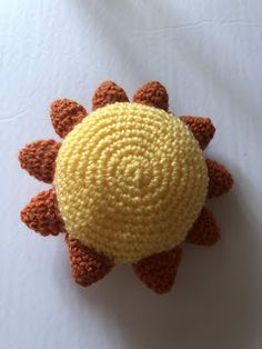 Atelier LJJ: Un soleil au crochet Dinosaur Stuffed Animal, Crochet Patterns, Animals, Magic Circle, Sun, Atelier, Bebe, Animales, Animaux