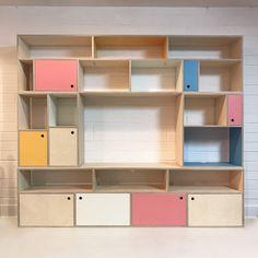 Discover Lozi's range of bespoke wall mounted shelves, made to measure from birch plywood and customisable to fit your taste and needs. Plywood Shelves, Plywood Walls, Bed Shelves, Wall Mounted Shelves, Plywood Furniture, Living Room Storage, Storage Shelves, Living Room Furniture, Shelving