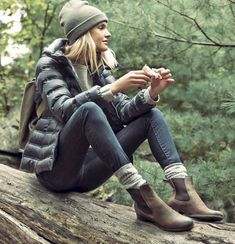Just Perfect 45+ Best Cold Weather Women Outfits For Those Who Want a Vacation https://www.tukuoke.com/45-best-cold-weather-women-outfits-for-those-who-want-a-vacation-13859