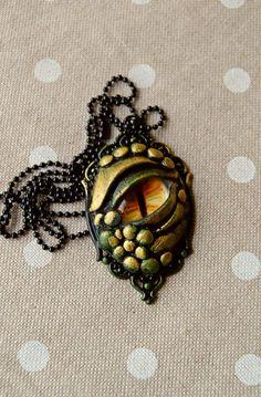 L'oeil de dragon de  lapetitedeco on Etsy. Polymeerklei pour halloween ou pour celles qui aiment.