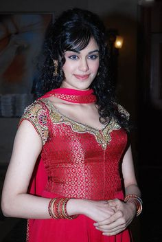Adah sharma hot photos latest sexy stills and bikini images - Celebrity Unseen Gallery Sonam Kapoor, Deepika Padukone, Beautiful Girl Indian, Gorgeous Women, Beautiful Saree, Simply Beautiful, Bollywood Celebrities, Bollywood Actress, Indian Bollywood