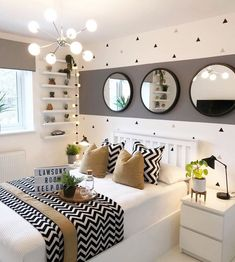 Fall bedroom decor - Here, the 40 best bedroom decor ideas with a variety of different style. Youll find unexpected to bedroom decor ideas. Fall Bedroom Decor, Room Ideas Bedroom, Home Bedroom, Master Bedroom, Teen Bedroom Colors, Modern Bedroom, Bedroom Designs, Contemporary Bedroom, Bed Room