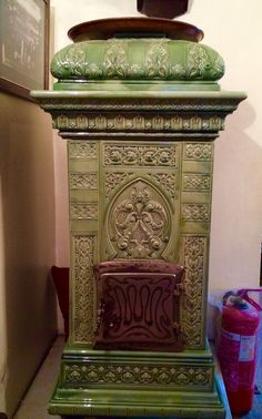 Old Stove, Vintage Stoves, Keep Warm, Fireplaces, Earth, Ceramics, Wood, Nature, Home Decor