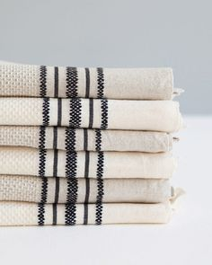 Classic cotton and linen utility cloth for the kitchen, woven by Mungo Linen Towels, Cotton Towels, Dish Towels, Hand Towels, Tea Towels, Cotton Linen, Weaving Designs, Classic Bathroom, Kitchen Linens
