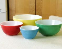 Pyrex Primary Colors Mixing Bowls Pyrex Nesting by Retroburgh
