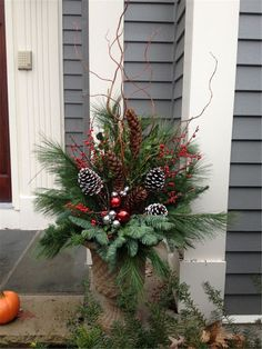 127 festive christmas table decorations to brighten up your feast page 5 Christmas Urns, Outside Christmas Decorations, Rustic Christmas, Christmas Projects, Winter Decorations, Outdoor Christmas Planters, Elegant Christmas, Beautiful Christmas, Christmas Front Porches