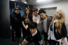 CL with Taeyang & Epik High backstage at YG Family Concert in Tokyo (Credit: 문소현)