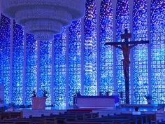 Santuário Dom Bosco, Brasília, Brazil The Most Beautiful Stained Glass in the World - Condé Nast Traveler Stained Glass Church, Stained Glass Art, Stained Glass Windows, Mosaic Glass, Mosaic Mirrors, Mosaic Wall, Beautiful Architecture, Art And Architecture, Sustainable Architecture