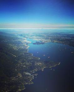 I (don't ) want to fly away   #vancouver - such a great place!  Was für eine sensationelle Stadt! Unzählige tolle Erinnerungen nehme ich mit von hier. Die Aussicht auf unserem @lufthansa Flug zurück nach Europa lässt Vancouver nochmals in vollem Glanz erstrahlen!