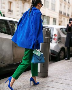 Wear your colors @leaf_greener #pfw #harpersbazaar #paris #fashionweek #streetfashion #streetstyle #style #fashion #theoutsiderblog #diegozuko