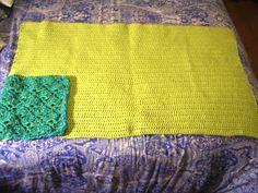Crochet Parfait: Shell Pattern Pillowghan. http://crochetparfait.blogspot.com.ar/2013/01/pillowghan.html