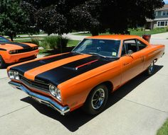 Plymouth Road Runner.