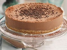Slimming World's Mississippi mud pie is a classic with a makeover, using skimmed milk and quark - but no one will know the difference! Plus, it takes just 30 mins to prepare. Everyone will enjoy Slimming World's show-stopping lighter version of this much Slimming World Puddings, Slimming World Cake, Slimming World Treats, Slimming World Plan, Slimming World Cheesecake, Slimming Eats, Mississippi Mud Pie, Mud Pie Dessert Recipe, Dessert Recipes