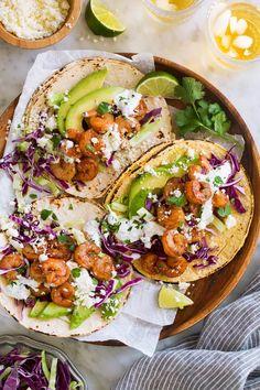 shrimp tacos with cilantro lime sauce - shrimp tacos ; shrimp tacos with cabbage slaw ; shrimp tacos with cilantro lime sauce ; shrimp tacos with mango salsa ; Shrimp Tacos, Shrimp Taco Recipes, Mexican Food Recipes, Ethnic Recipes, Fish Tacos, Tilapia Recipes, Shrimp Meals, Chicken Tacos, Chef Recipes