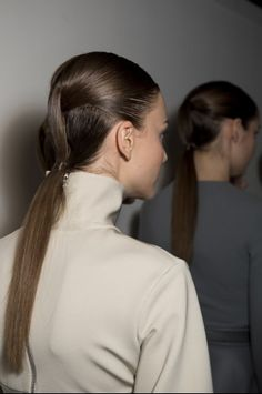 Backstage — David Koma Fall 2014 — Photographed by Jason Lloyd Evans Fashion Hairstyles, Up Hairstyles, Hair Tips, Hair Hacks, High Fashion Hair, Curly Hair Styles, Natural Hair Styles, Ponytail Ideas, Hair Arrange