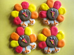 I made these for my great-nieces' preschool and first grade Thanksgiving luncheon.  I was not thrilled with the consistency of my icing, but I have learned that the 4-6 year old crowd is easy to please.