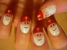 Myfantasticnails: Hot or Not: Sinterklaas Nail Art Holiday Nail Art, Christmas Nail Art, Christmas Crafts, Creative Nail Designs, Creative Nails, Linda Nails, Shellac, Seasonal Nails, Cardboard Art