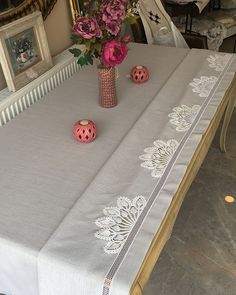 Table Runners, Shabby Chic, Textiles, Embroidery, Fabric, Blog, Handmade, Instagram, Home Decor