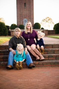 #photographybymalleyvictoria Family maternity natural light photography siblings