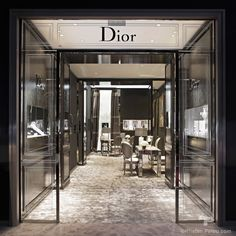Boutique photographer Dior Haute Joaillerie Fine Jewelery Biennale des Antiquaires Paris France - Interior photographer architecture store boutique Kristen Pelou