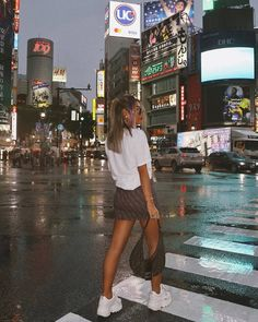 white tee printed mini skirt and chunky sneakers casualoutfit skirtandsneakers chinese print newyork nyc streetstyle bigcity vacaction new # # City Aesthetic, Aesthetic Clothes, Insta Photo Ideas, Insta Pic, New York Tumblr, Look Cool, Cool Style, Tumbrl Girls, City Vibe