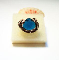 Adjustable ring with blue quartz