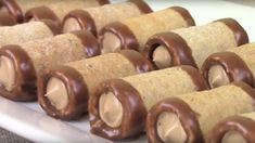 Parížske trubičky podľa Helenky – prudko návykové: Túto fantastickú dobrotu budete chcieť nielen na Vianoce! Czech Desserts, Cake Recipes, Sausage, Sweets, Cookies, Baking, Sweet Pastries, Biscuits, Bread Making