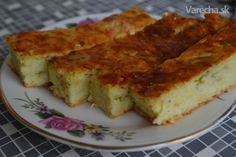 Cuketový koláč slaný Czech Recipes, Vegetable Recipes, Quiche, Zucchini, Goodies, Food And Drink, Easy Meals, Dinner Recipes, Cooking Recipes