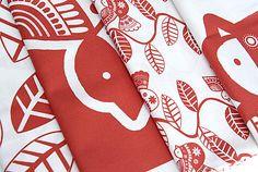 tissu-coussin-oiseau-rouge-2.jpg