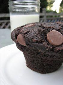 Heidi Bakes: Chocolate chocolate chip zucchini muffins