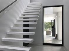 Villa R&B, prachtige trap met composiettreden