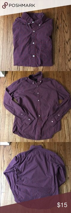 J. Crew button up! good quality j crew button up! Shirts Casual Button Down Shirts