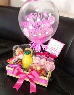 Birthday Hampers, Birthday Gift Baskets, Birthday Box, Birthday Gifts, Gift Baskets For Women, Diy Gift Baskets, Diy Food Gifts, Diy Crafts For Gifts, Balloon Decorations Party