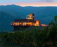 Our list of Okanagan Wedding Venues in Kelowna, Vernon, Kamloops, Penticton & Summerland gives you great venue choices for a wedding ceremony & reception! Burrowing Owl, Wine Country, British Columbia, Places To Go, Beautiful Places, Wedding Locations, Wedding Venues, Wine News, Hotels