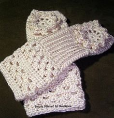Must Be A Lady Fingerless Gloves- AWESOME PATTERN available from SheriAnne! <3 matching hat pattern coming soon!