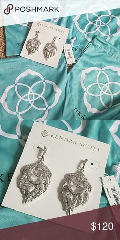 NWT Kendra Scott emelia earrings in rhodium Brand new, comes with dust bag and will be packed in a nice box. Sorry no trades. can do other platforms. Kendra Scott Jewelry Earrings