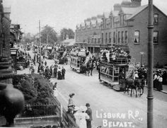 Lisburn Road, Belfast - corner of Marlborough Pk on fight Belfast Pubs, Belfast Live, Old Pictures, Old Photos, Vintage Photos, Northern Ireland Troubles, Donegal, Ireland Travel, Street View