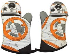 When cooking things in the oven, you need a good oven glove, so you don't burn your hand. This Star Wars: The Force Awakens Fabric Oven Glove has Cocina Star Wars, Star Wars Kitchen, Star Wars Cookies, Star Wars Personajes, Star Wars Facts, Star Wars Merchandise, Disney Merchandise, Darth Vader, Oven Glove