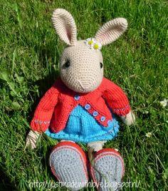 Marijntje heeft een nieuw outfitje gekregen en ik heb een dekentje gehaakt ( mijn eerste granny deken) voor straks op haar bedje, maar ook o...