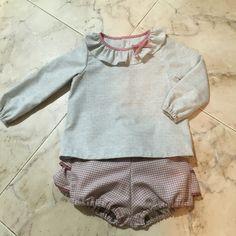 Pantalón cortito ( patrón de cosotela) y blusita con volante en el cuello