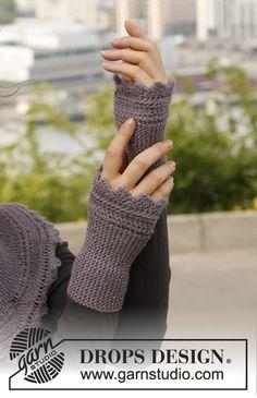 """Ellie's Gloves - Strikkede DROPS pulsvanter i """"BabyAlpaca Silk """" med retstrik og siksak kanter - Free pattern by DROPS Design"""