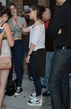 Kristen Stewart Photos - Kristen Stewart Is Spotted Outside the Greenwich Hotel - Zimbio